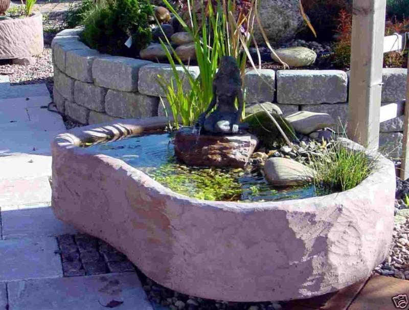 mini teich mit bronzefigur springbrunnen wasserspiel. Black Bedroom Furniture Sets. Home Design Ideas