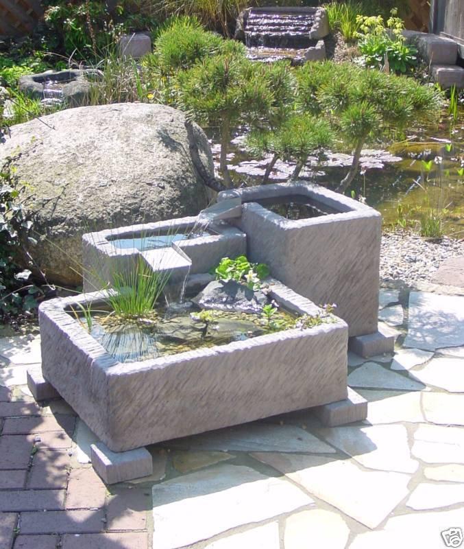 Gartenbrunnen Brunnen Springbrunnen Wasserspiel Werksand- Stein 262kg + Pumpe